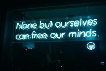 39c37baa3a558ae0dbacb4c34e3c0866--neon-signs-quotes-light-quotes